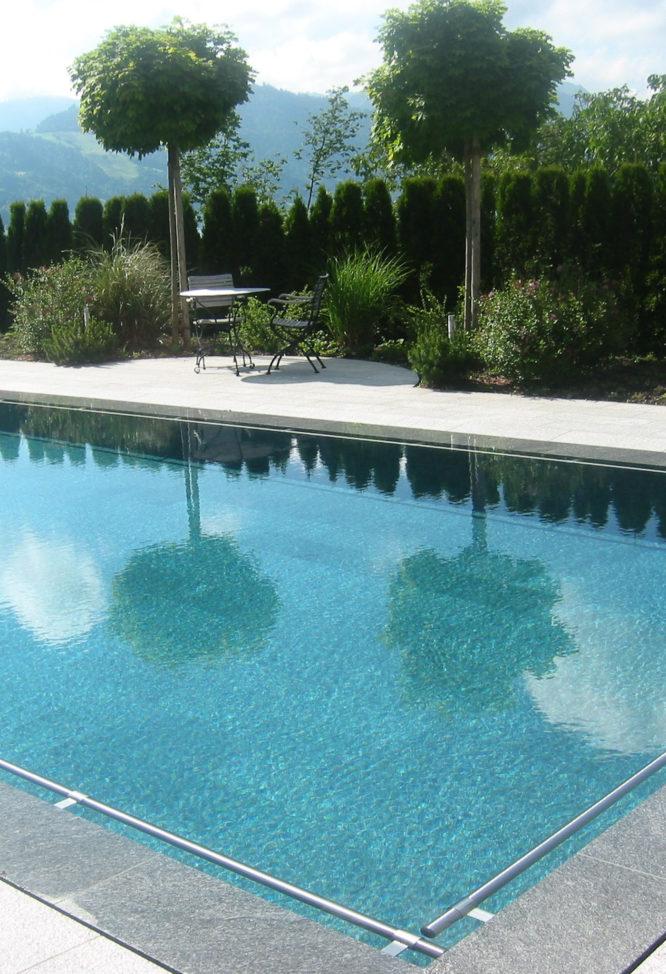 Pool Outside Oberägeri